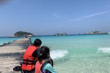 热浪岛的一个叫 长滩的位置 很多潜水和浮潜的人在这里集合 非常好