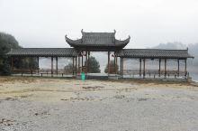 鸳鸯湖,位于江西省上饶市婺源县,这里因良好的自然环境,成为野生动物的乐园,这个鸳鸯湖是野生鸳鸯的越冬