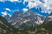 这辈子一定要领略一次的蓝 Cascade Canyon,作为大提顿国家公园的重要景点之一,在当地景点