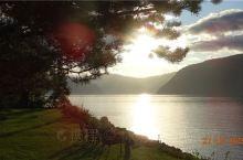 utvik峡湾的黄昏和清晨,美的让人不忍离去,虽然我只在这里停留了一天,也许永远也不会再回到这里,但