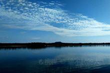 五大连池坐船游湖。