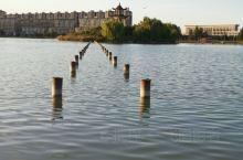 银川贺兰的如意湖,美,尽在眼底。有时间一定要来哦(´⊙ω⊙`)