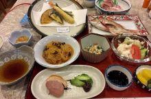 驚艷小豆島酒店晚餐 廚師奶奶手藝認真不錯  茄汁粉絲 辣味鮮花枝 沙拉兩式 小菜樣樣精彩  生魚片鮮