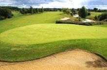 高尔夫球场很棒!