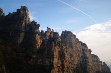 十一假期,初秋的白石山,游客没有预想的多,风景确实美不胜收。游览线路建议:东门大巴上山,走南线到西门