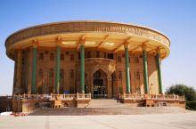 哈密是进新疆第一站 回王府一带民族风情浓郁 建筑极具异域风情 这里地处东疆的土哈盆地 也是以维族为多