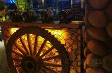 吉林是东北最喜欢的城市没有之一哦,夜景特别美,每次回去都去圣鑫酒庄带一点红酒回来,酒庄环境也很好,还