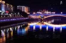 第一次踏进福建,晚上很少出来,但这个城市的夜景还是非常漂亮的