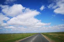 原生态的东乌旗草原,尽显天苍野茫茫。 从西乌旗出发前往东乌旗,一路都是纯美的草原风光,没什么特别的景