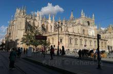 西班牙塞维利亚,一座秀美的城市,非常适合休闲旅游度假,可以住上一段时间