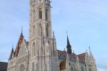 布达佩斯多瑙河畔的马加什教堂。