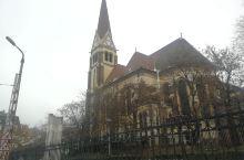 这是我们的匈牙利大使馆和领事部