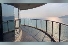 在惠州碧桂园十里银滩住270度海景房,和TA一起面朝大海,欣赏落日余晖~