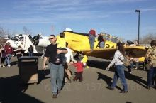 A great variety of exhibits, both planes , engines