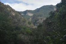 青州黄花溪,无意中闯入的景点,本没抱很大希望,谁知意外惊喜多多。山青水秀,沿着溪水一路向上,九曲十八