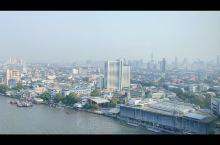 曼谷的航拍真的挺美的,不论白天还是夜晚,大都市的感觉~~芭提雅的码头有一种淡淡的复古感,被岁月冲刷的
