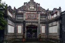刘氏庄园由近代四川大官僚地主刘文彩及其兄弟陆续修建的五座公馆和刘氏家族的一处祖居构成,是国内目前规模