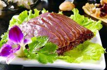 """""""天上龙肉,地上驴肉"""",是人们对驴肉的最高褒扬。鲁西、鲁东南、皖北、皖西、豫西北、晋东南、晋西北、陕"""