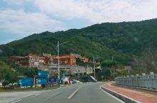 东山岛适合度假,在这边半个月了,海鲜好吃,当地水果便宜,物价低,还会再来!海水比厦门干净很多,风浪也