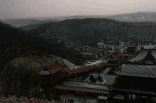 敦化六鼎山金鼎大佛 俯瞰山下的正觉寺