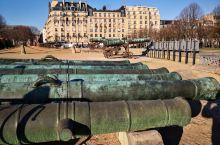 军事博物馆   如果你是军事爱好者,这个巴黎军事博物馆完全能够满足你的需求。 军事博物馆非常大,由自
