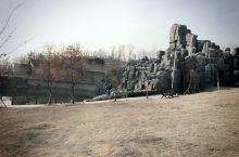 南部新城的配套游玩公园,虽然是县级水平的,但风景很好。没有华丽的装饰,没有拥挤的人群,只有风景独好的