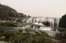 黄果树瀑布是世界著名大瀑布之一。以水势浩大著称。瀑布高度为77.8米,其中主瀑高67米;瀑布宽101