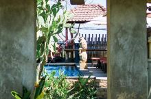 毕业旅行地大推荐-蓝梦岛The Akah cottage  很多人去巴厘岛的时候都会选择去蓝梦岛逛逛