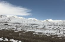 西藏那曲,现在还是白雪皑皑  地理位置:那曲,是西藏自治区下辖地级市。地处西藏北部,唐古拉山脉、念青