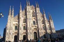 世界第二大教堂~~米兰大教堂  来了米兰就必须来大教堂转一圈,这个规模位于世界第二大的天主教堂,历时