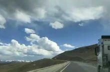 最近去稻城亚丁的天气都很舒服!我们一直在路上,看最美丽的风景,扎西德勒![强]