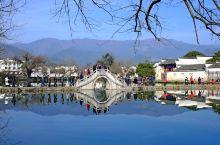 宏村,一个让人来了就不想离开的地方。它的秀美,它的恬静,总是让人流连忘返~