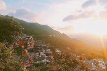 一起去台湾九份拍最美日落|观赏拍照最佳点位分享|手机也能出大片 拍摄地点: 九份观景台一楼。从九份老
