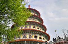 樱花聚集天元宫    我是和我的闺蜜一起去天元宫的。我们去的时候是三月份,正好是樱花季。一进去就能看
