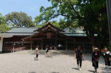 第一次看见怎么中规中矩的建筑 如果问我看到过最破烂的鸟居是那个,那我会毫不犹疑的说是日本伊势市猿田彦