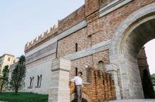 绍兴贡帝托斯卡纳城堡酒店,寻觅城堡主人珍藏千年的美酒 说到意大利,我想大家第一印象就是那里的古堡,1