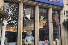 英国温德米尔湖区的小镇上有一个纪念馆。比得兔,又译彼得兔,(英语:Peter Rabbit)是一本漫