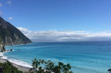 碧蓝碧蓝的太平洋,看着就让人心旷神怡!