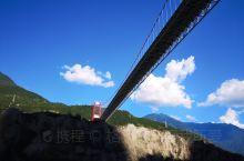 #你好新都桥#    今日  气温15~26°C    空气指数优26  独步朱桥千嶂抱,飞车横掠碧