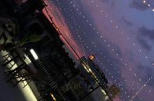 """种草!藏于闹市之中的一家酒馆,名曰天空酒廊。位置在一家网红私房菜餐厅""""不二梵囿""""顶楼,全露天,视野开"""