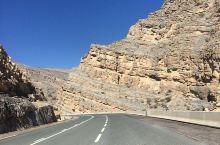 黄沙山峦 静谧心跳—贾伊斯峰  巍峨的自然景观一直是我们旅游最大的追求,这次我们来到了贾伊斯峰,位于