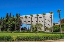 能俯视地中海的中东哈佛 ——贝鲁特美国大学  •为什么选择贝鲁特美国大学•    至于为什么跟表妹选