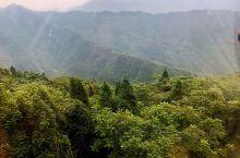 """西岭雪山风景区(三) 游西岭雪山一般的游客徒步是不现实的,必须乘坐景区索道。第一道索道""""鸳鸯池""""索道"""