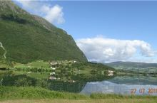 挪威峡湾的倒影