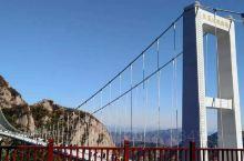 """游凤凰山  此山被游客称做东北旅游的""""扛把子"""",从这个评价可以看出此地是东北游的榜首一进山门让我想起"""