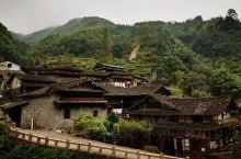 林坑古村,拥有楠溪江保存最完整的山地民居,大多数都有100年以上的历史,其中最古老的一座木屋已超过2