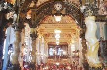 New York Café纽约宫咖啡厅 公认全世界最美的咖啡厅,名不虚传,内部真真是雕梁画栋,金碧辉
