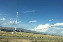 充分利用太阳能板 茶卡盐湖返回西宁途中 经过日月山收费站 多巴收费站