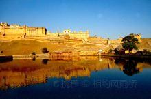 粉色之城斋浦尔 琥珀堡 依山势而建 它气势雄伟 规模宏大 曾经是王朝的都城 始建于1592年  印度