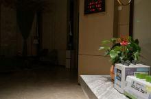 这是大厅,非常漂亮,房间非常干净整洁,东西齐全,周边生活设施齐全